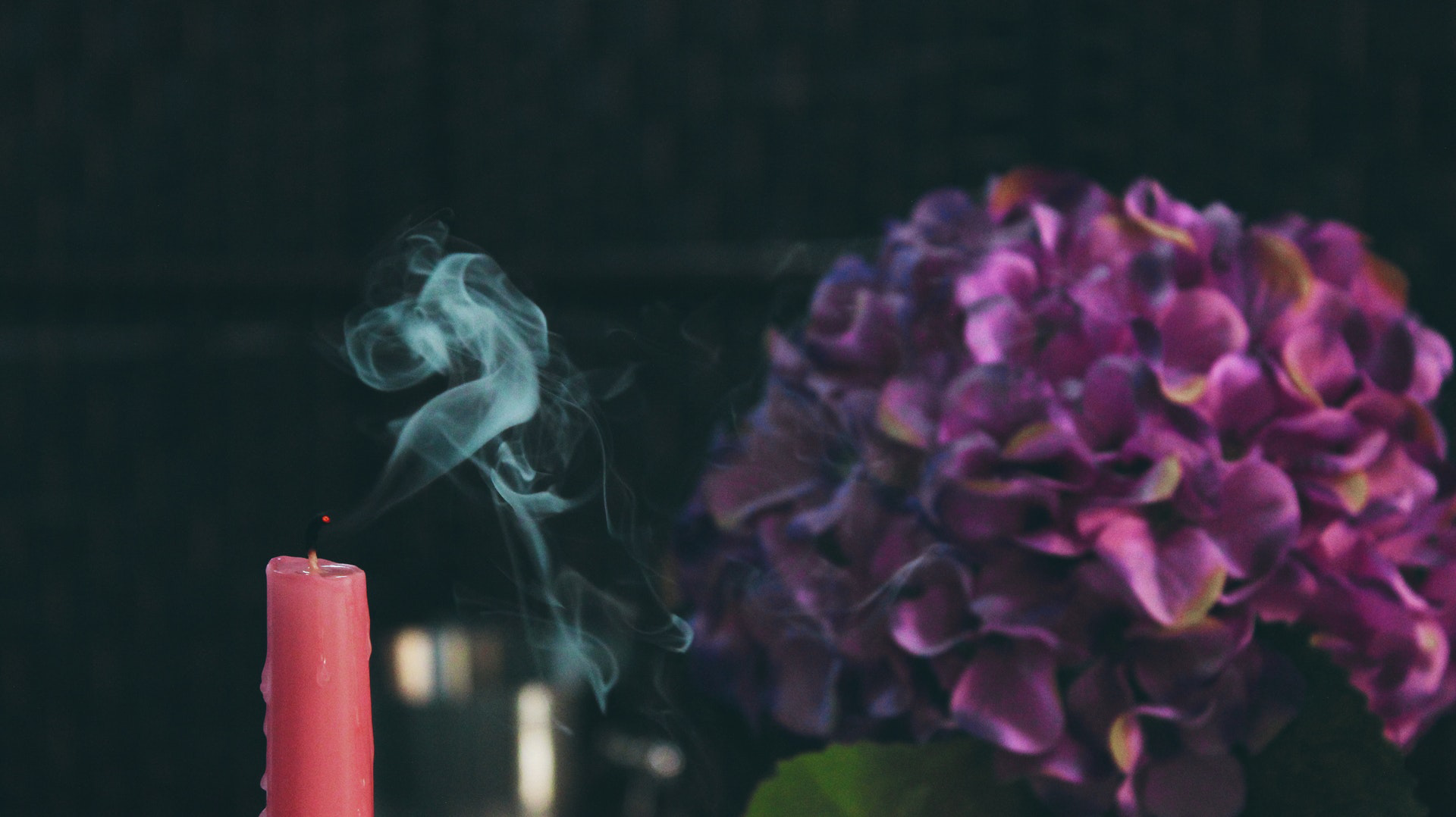 seasonal-candle-magic